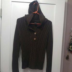 Thick cable knit ribbed hood sweater button
